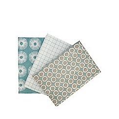 Home Collection Basics - Set of three assorted printed tea towels