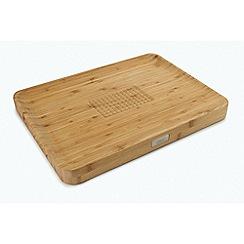 Joseph Joseph - Cut and Carve™' bamboo chopping board