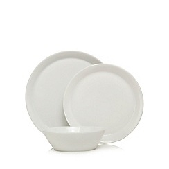 Ben de Lisi Home - White 12 dinner plates, dessert plates and cereal bowls set