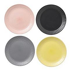 Royal Doulton - Hemingway set of 4 mixed plates