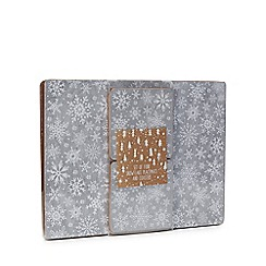 Debenhams - 4 pack grey snowflake placemats and coasters