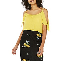 Dorothy Perkins - Yellow cold shoulder top