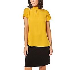 Dorothy Perkins - Yellow mock neck t-shirt