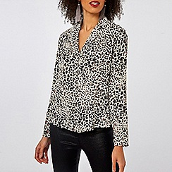 Dorothy Perkins - Ivory leopard print pyjama style shirt