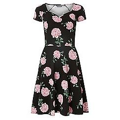 Dorothy Perkins - Tall black floral print sweetheart skater dress