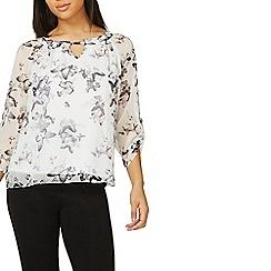 Dorothy Perkins - Billie & blossom white butterfly print blouse