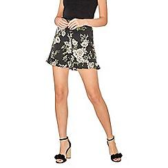 Dorothy Perkins - Black floral frill shorts