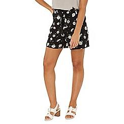 Dorothy Perkins - Black daisy print tie waisted shorts