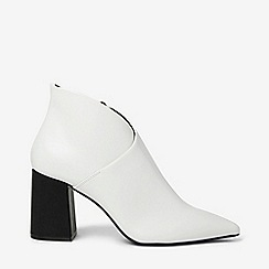 Dorothy Perkins - White annie pointed ankle boots