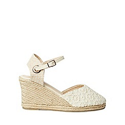 Dorothy Perkins - Wide fit cream raven wedges