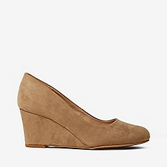 Dorothy Perkins - Wide Fit Taupe Dreams Court Shoes