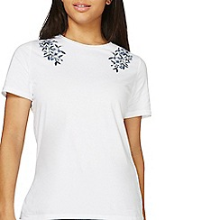 Dorothy Perkins - Ivory floral embroidered t-shirt