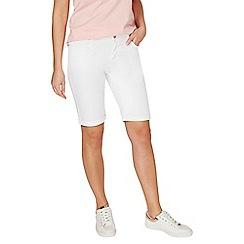 Dorothy Perkins - White knee denim shorts