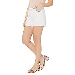Dorothy Perkins - White scallop embroidered shorts