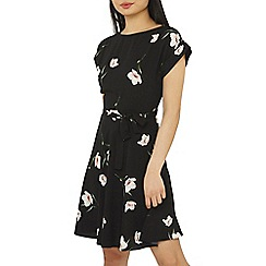 Dorothy Perkins - Petite black floral print fit and flare dress
