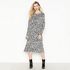 Vila - White Zebra Pattern 'Elsana' Midi Dress
