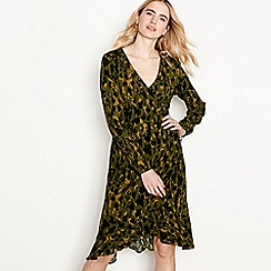 Vero Moda - Green camo print chiffon 'Savannah' V-neck long sleeve high low wrap dress