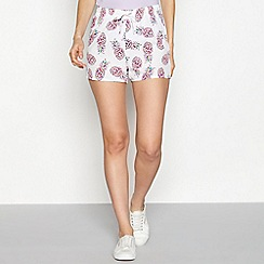 Noisy may - White pineapple print loose fit shorts