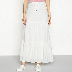 Vila - White tiered 'Petra' maxi skirt