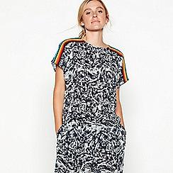 3d55f014b77b Noisy may - Blue abstract print rainbow stripe  Blaze  short sleeve top