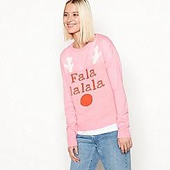 Noisy may - Pink 'Fa la la la la' slogan round neck fine knit jumper