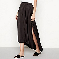 Moves - Black side split 'Hala' high low skirt