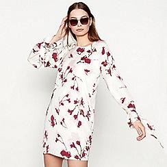 Minimum - White 'Ebba' floral print round neck long sleeve mini shift dress