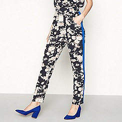 Lolly's Laundry - Multi-coloured floral print casual tapered leg trousers