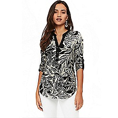 Wallis - Petite printed shirt