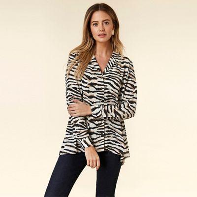 Wallis - Petite Blue Zebra Print Asymmetric Shirt e5f805de4