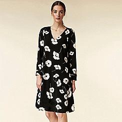 Wallis - Petite black floral print swing dress