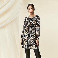 Wallis - Petite black animal print swing dress