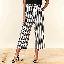 Wallis - Petite Mono Stripe Belted Trousers