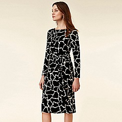 Wallis - Petite giraffe print shift dress