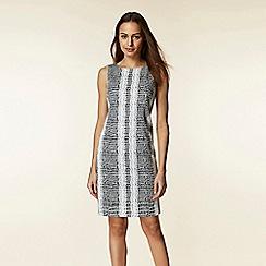 Wallis - Monochrome snake print jacquard shift dress