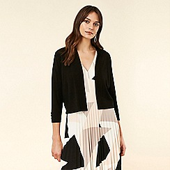 Wallis - Black Fitted Cropped Shrug