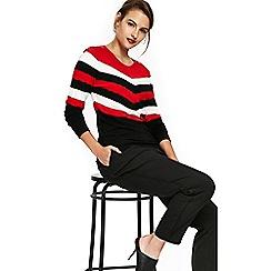 Wallis - Red stripe colour block