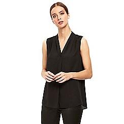 Wallis - Black v neck sleeveless top