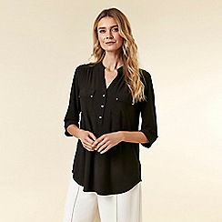Wallis - Black Shirt