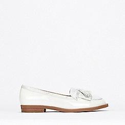 Wallis - White Tassel Detail Patent Loafers