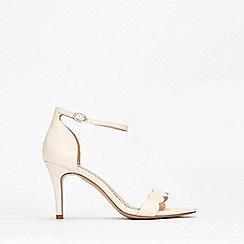 Wallis - Stone Scalloped Sandal