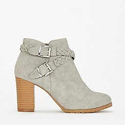Wallis - Grey pliated heeled ankle boots