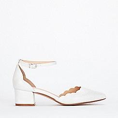 Wallis - White low block heel court shoes