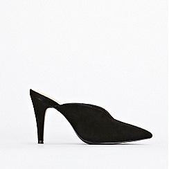Wallis - Black pointed mule