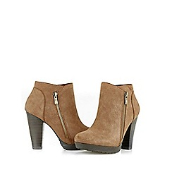 Wallis - Tan chunky platform side zip boot