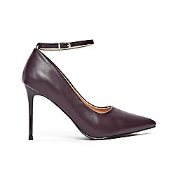 Wallis - Berry point and ankle strap court shoes