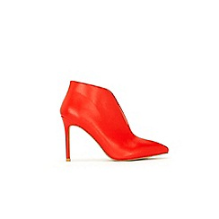 Wallis - Red v low cut boot