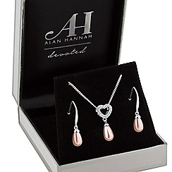 Alan Hannah Devoted - Designer pearl heart jewellery set in a gift box
