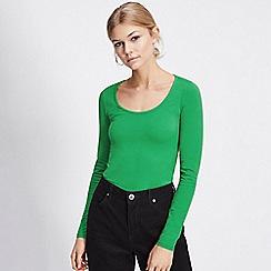 Miss Selfridge - Green long sleeve scoop neck bodysuit 81a34d08c