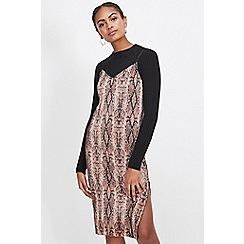 Miss Selfridge - Snake print plisse slip dress